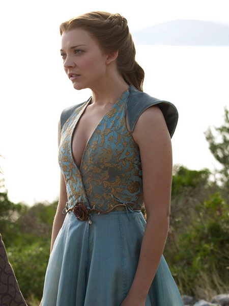 Cersei lannister e margaery tyrell em cena leacutesbica para decidir quem seraacute a rainha em game of thrones - 3 8